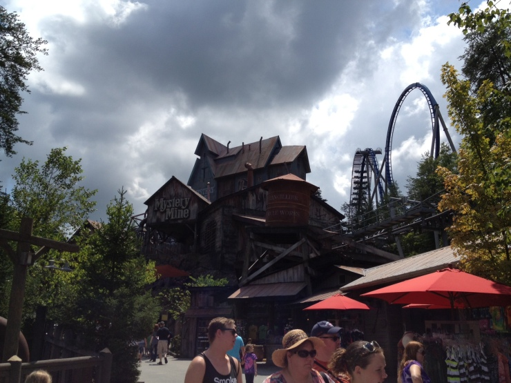Mystery Mine: modern coaster with 85 foot vertical drop