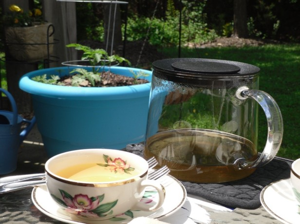 Rebekkah Niles Tea