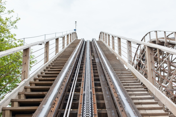 Shutterstock, roller coaster, Image ID:197772362, Copyright: MyImages - Micha